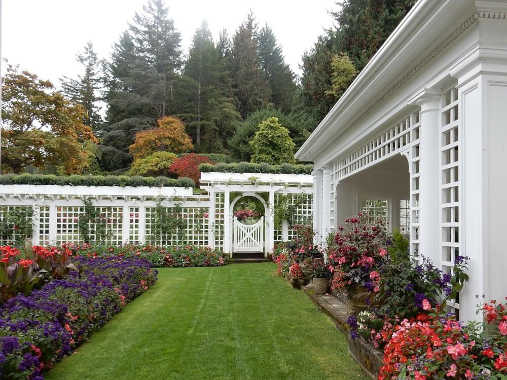 The butchart gardens is a top attraction in victoria bc - Butchart gardens tour from victoria ...