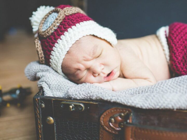 Newborn Travel-Themed Birth Announcement Tips