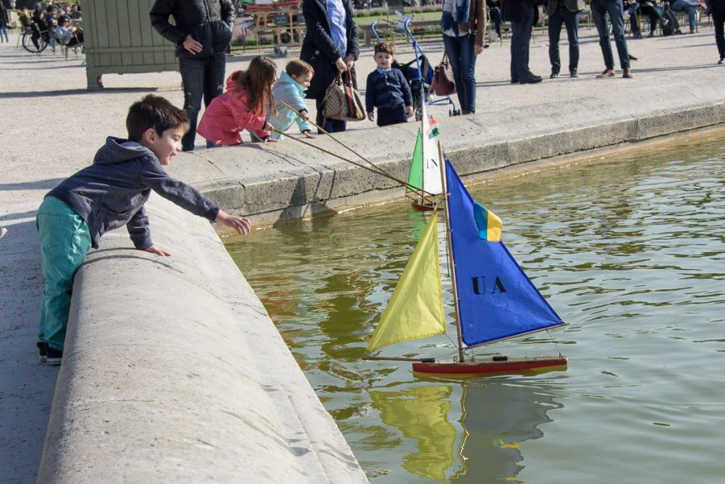 Toy boats at Jardin du Luxembourg is a fun thing to do in Paris with kids.