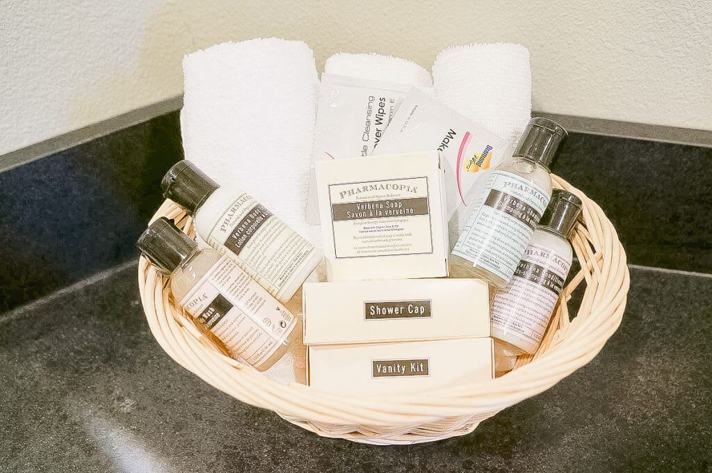Photo of the hotel toiletry basket at the Canner Pier Hotel in Astoria, Oregon #hoteltoiletries #hotelshampoo #hotelamenities #cannerypierhotel