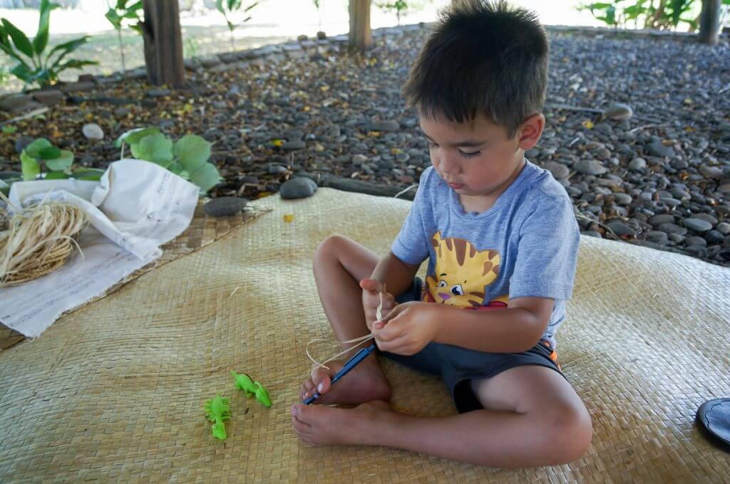 Lauhala weaving on Maui