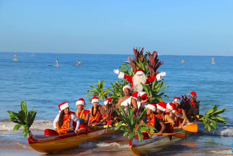 Santa arriving on Maui for Christmas