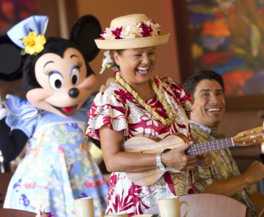 Aulani Character Breakfast includes entertainment, characters and and the opportunity to take photos with Mickey Mouse. | Aulani Character Breakfast on Oahu review featured by top Seattle family travel blog, Marcie in Mommyland