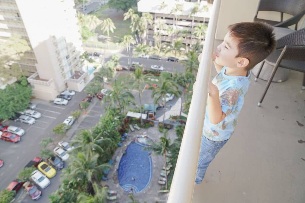 Courtyard by Marriott Waikiki Beach is one of the best hotels in Waikiki for families traveling to Hawaii with kids.