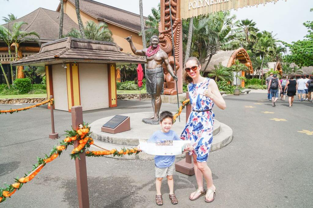 Celebrate the Shaka (aka hangloose) sign at the Polynesian Cultural Center