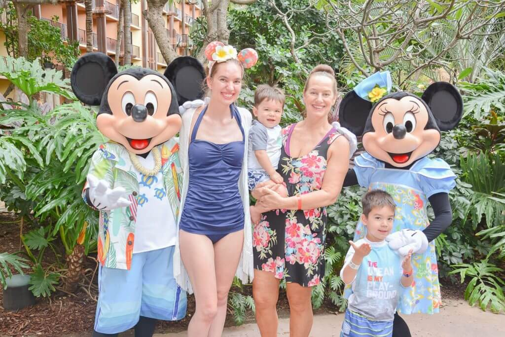 Disney Aulani Resort offers character meet and greets where Mickey and Minnie take character photos together on Oahu!