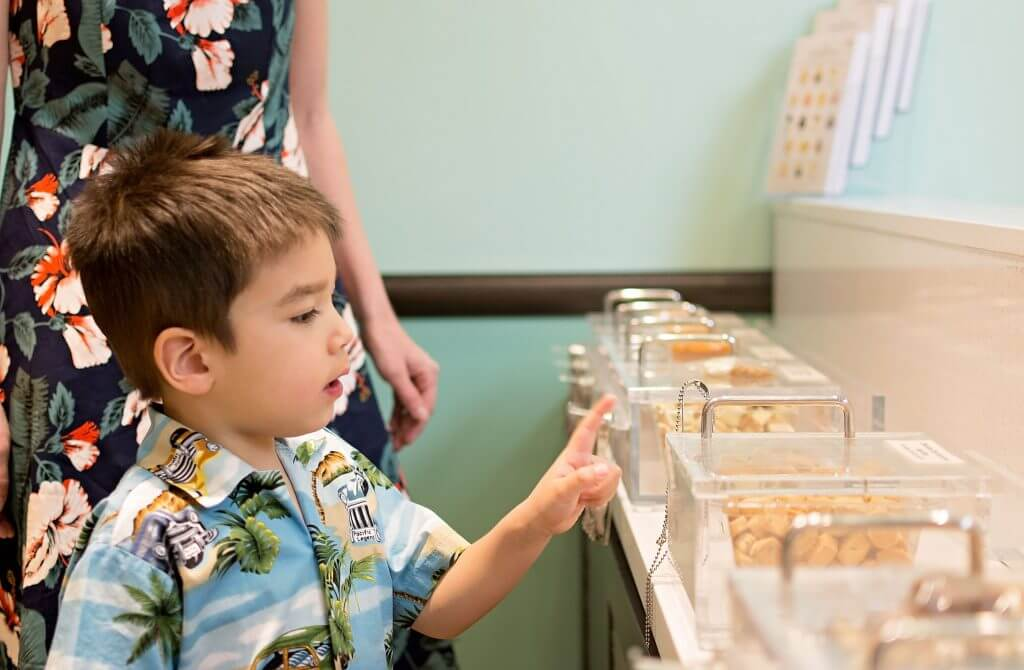 Honolulu Cookie Company at Beach Walk in Waikiki, Oahu, things to do in Oahu with kids