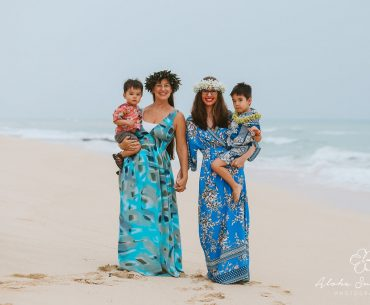 Booking a family photo shoot on Oahu is my favorite fun thing to do on Oahu. #oahu #hawaii #photography #oahuphotographer #hawaiianvacation #familytravel