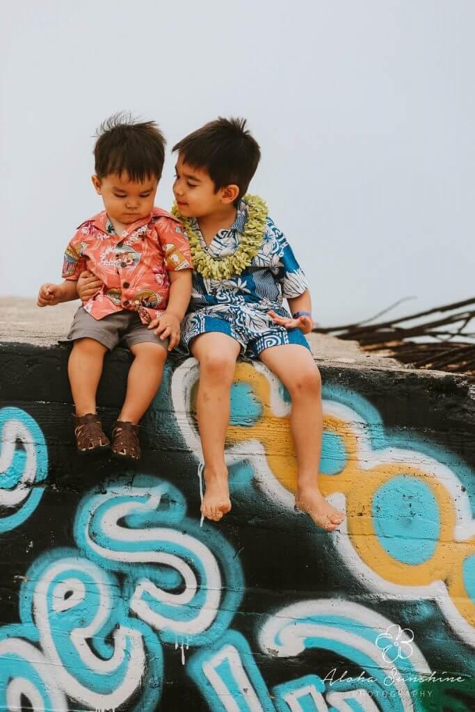 Oahu photo shoot, Hawaiian family photo shoot, photo session on Oahu #oahu #oahuphotography #oahuphotographer #familytravel #hawaiiwithkids