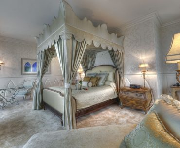 Best Disneyland Hotels for Families with Young Children