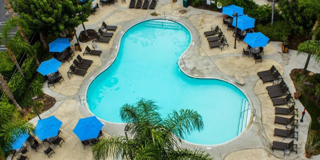 Photo of the pool at Staybridge Suites Anaheim, which is a Disney Good Neighbor Hotel near Disneyland Resort #staybridgesuites #anaheim #california #disneyland #goodneighborhotel