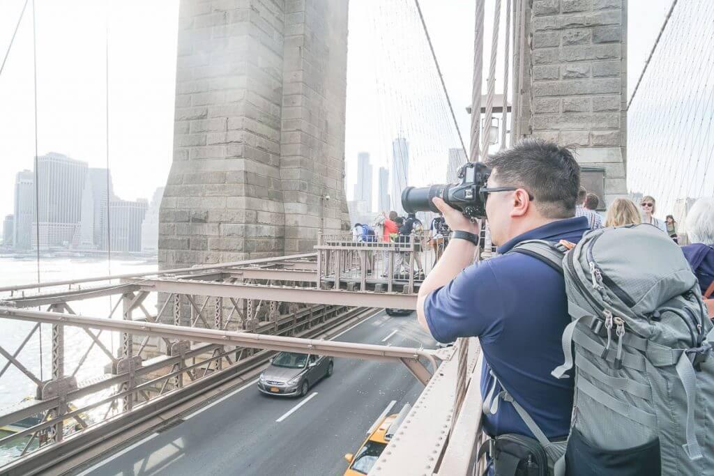Photo on the Brooklyn Bridge walking across it into Manhattan #brooklynbridge #manhattan #newyorkcity #nyc #freethingstodoinnyc