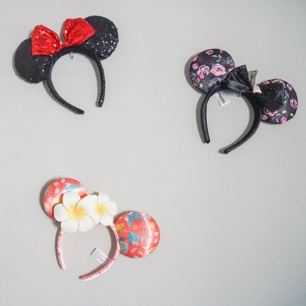 Photo of Minnie Mouse ears from Disneyland, Disneyland Paris, and Aulani Resort in Hawaii #aulani #disneyland #disneylandparis #minniemouse #minnieears
