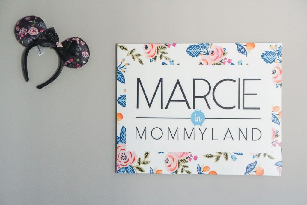 Photo of a custom business sign that makes me feel like a top mommy blogger #momblog #mommyblog #girlboss #momboss