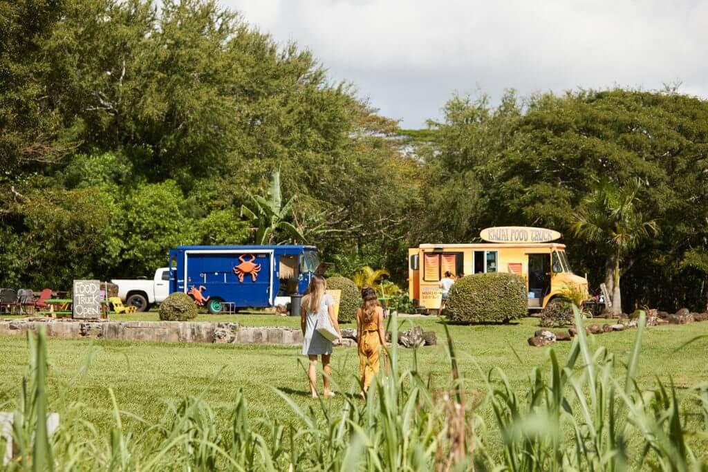 Photo of Kauai food trucks, which is a kid-friendly dining option on Kauai for families #kauai #foodtruck #hawaii #hawaiianfood #kauaifood