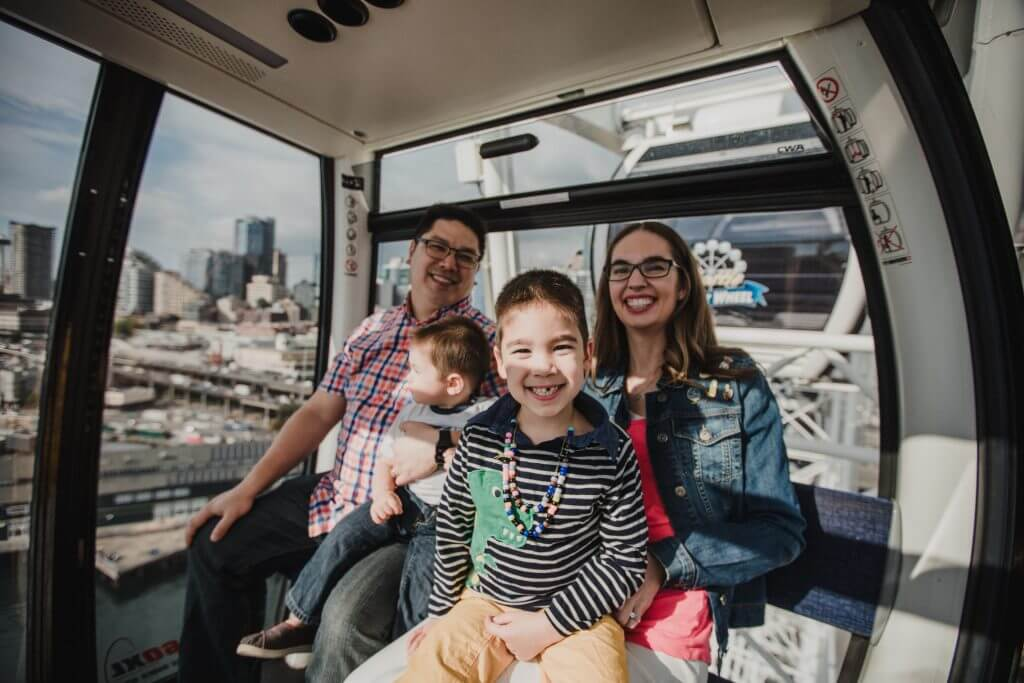 Photo of The Great Wheel, the Seattle ferris wheel, one of the top Seattle waterfront activities for families #thegreatwheel #seattle #visitseattle #seattlewaterfront #seattlewithkids #seattlefamily