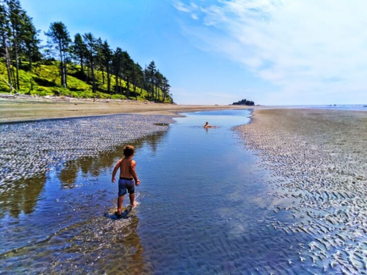 Taylor Family at Ruby Beach in the Olympic National Park in Washington State Photo credit: Rob Taylor #olympicnationalpark #washingtonstate #explorewashington #rubybeach #pnw #pacificnorthwest   The Best Pacific Northwest Family Vacation Ideas featured by top Seattle family travel blog, Marcie in Mommyland
