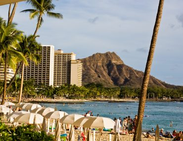 Photo of Waikiki Beach and Diamond Head on Oahu #diamondhead #oahu #hawaii #waikiki