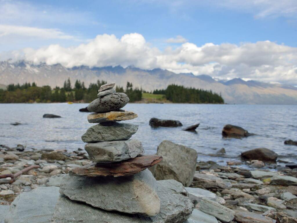 Photo of rock stacking in Queenstown, New Zealand #newzealand #queenstown #rocks #rockstacking