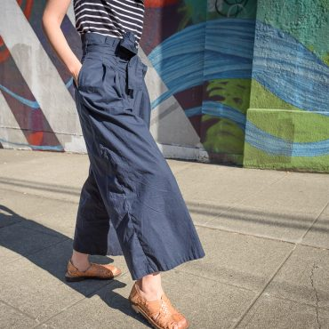 Finding Chic Custom Pants and Travel Clothes for Women