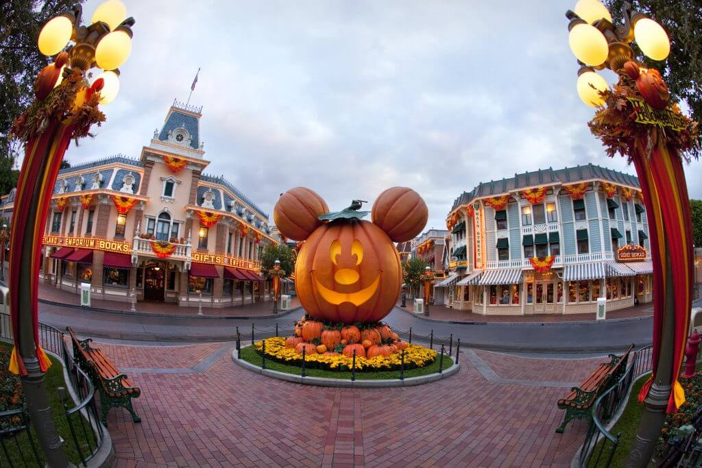 Photo of Disneyland Halloween decor featuring a Mickey Mouse pumpkin #disney #disneyland #disneylandresort #halloween #halloweenmickey #mickeymouse #october