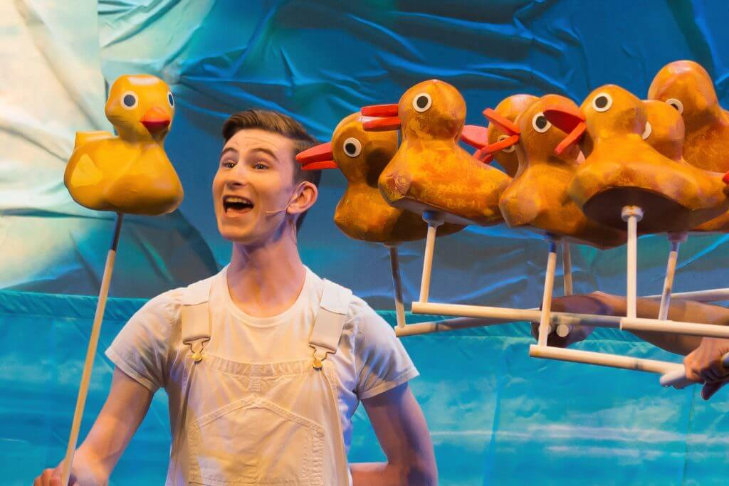 Jake Bazel in SCT's 2018 production of The Very Hungry Caterpillar Show. Photo by Elise Bakketun. #caterpillarshow #caterpillarsct