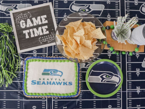 Celebrate the Seattle Seahawks with an NFL Cake!