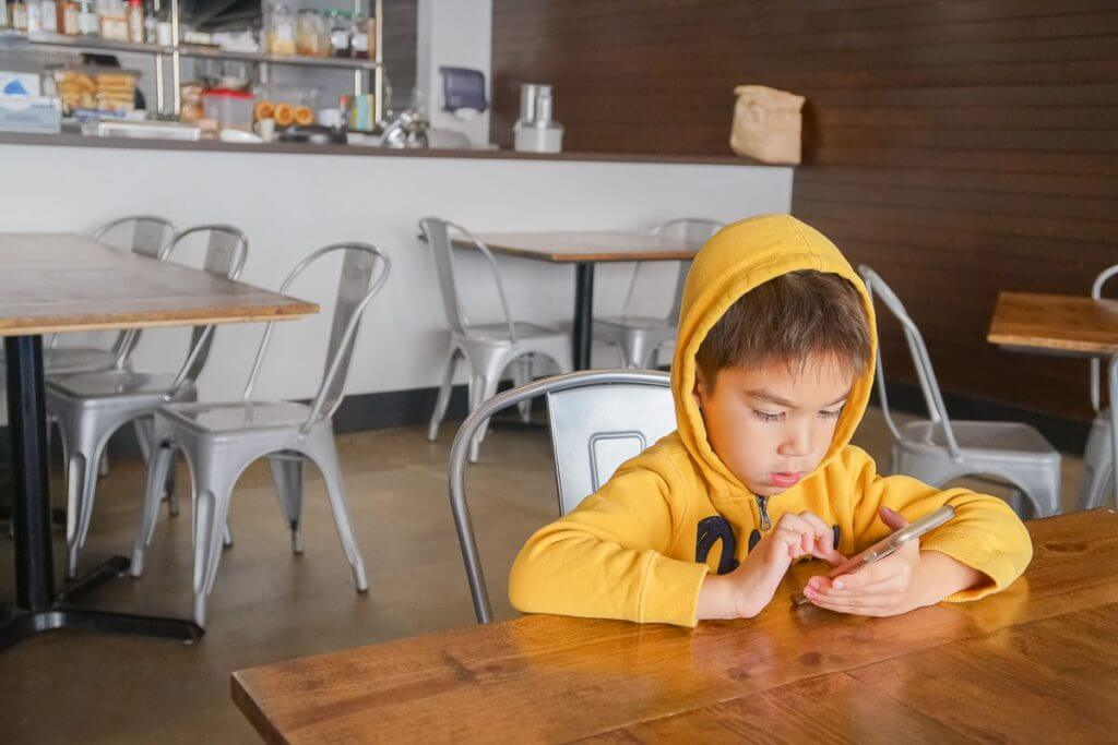 Photo of Airways Brewing Bistro, a kid-friendly brewery in Kent, WA #visitkentwa #airwaysbrewing #kidfriendlydining