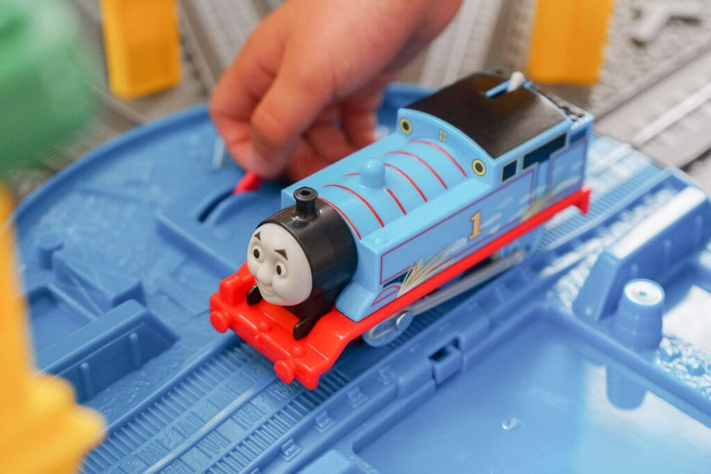 Photo of the turntable on the Thomas Super Station playset for kids #thomassuperstation #thomasandfriends #toys