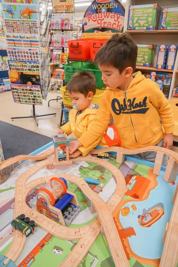 Photo of a train table at Kent Teaching & Toys in Downtown Kent, WA #visitkentwa #kentteachingandtoys #traintable #toystore