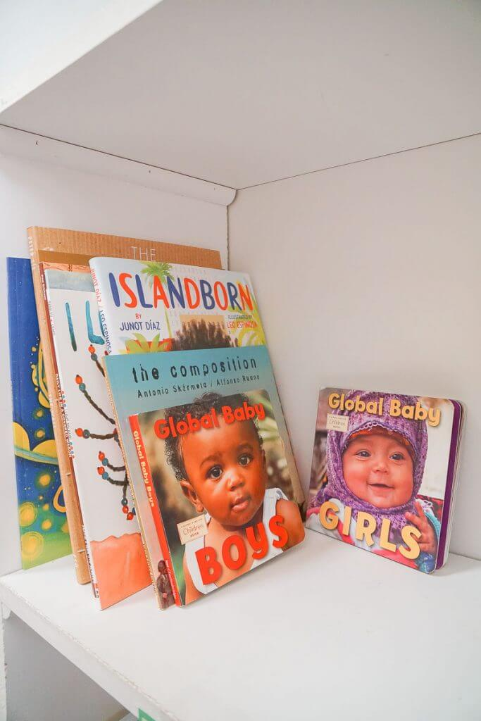 Photo of toddler travel books that inspire wanderlust #boardbooks #babybooks #travelbooks