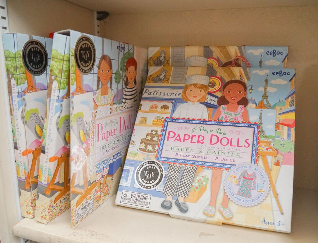Photo of Parisian paper dolls for kids #paperdolls #pariswithkids #giftidea