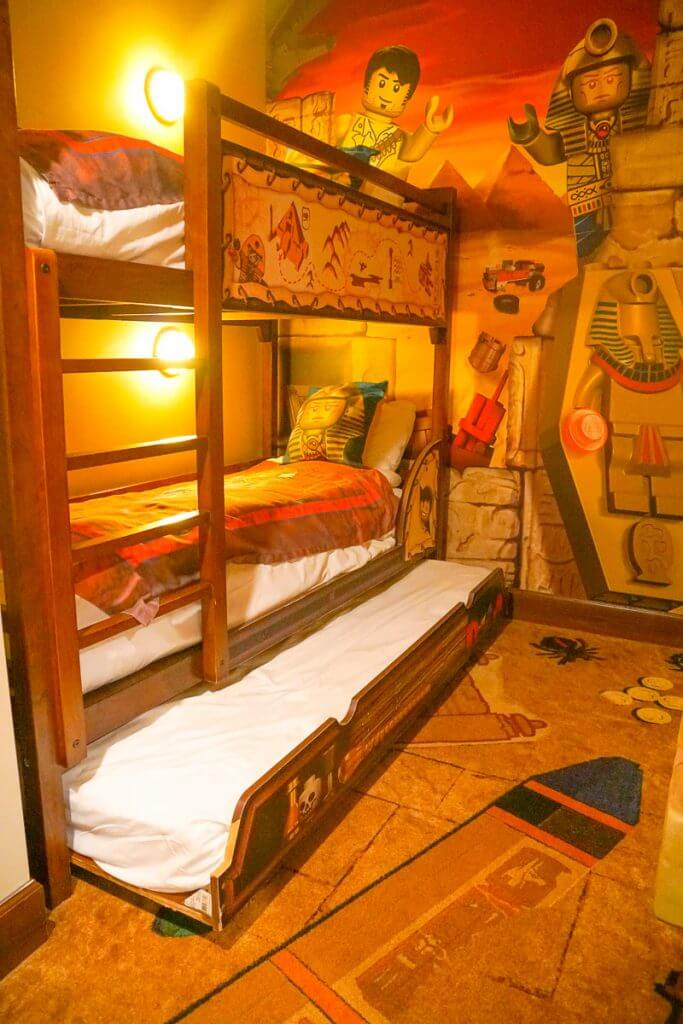 Photo of the kids sleeping area at the LEGOLAND Hotel Adventure Theme Room in California #legolandhotel #legolandcalifornia #trundle #bunkbed