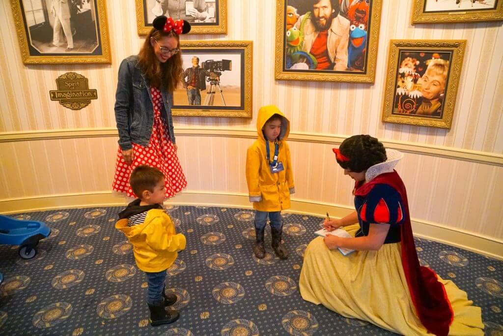 Photo of Snow White at Disneyland Resort in California #snowwhite #Disneyland #DLR