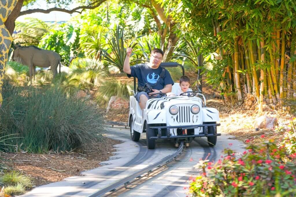 Photo of a fun LEGOLAND ride for toddlers at LEGOLAND California #LEGOLANDCA #visitsandiego #familytravel