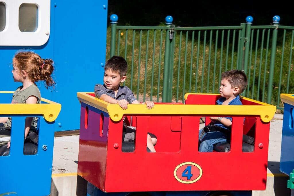Photo of LEGOLAND rides for toddlers, featuring LEGOLAND Express located in DUPLO Playground #LEGOLANDCA #train #duplo