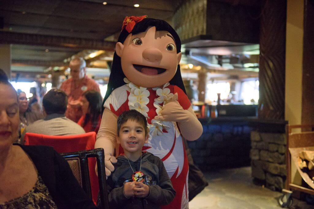 Photo of Lilo at the Ohana breakfast at Walt Disney World in Florida #lilo #liloandstitch #ohana #characterbreakfast