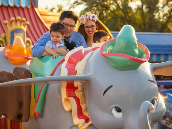 Family photo shoot in Dumbo, the flying elephant at Magic Kingdom Park at Walt Disney World