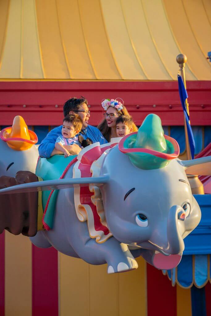 9 Disney World Photos That Will Make You Want to Bring Your Kids There featured by top US Disney blogger, Marcie and the Mouse: One of the most popular ride for kids at Walt Disney World is Dumbo the Flying Elephant in Magic Kingdom and it's one of the best Disney World photos spots. #disneyworld #dumbo #dumbotheflyingelephant #waltdisneyworld #magickingdom