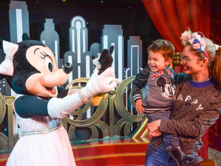 Find out how to maximize your time at Disney's Hollywood Studios with kids at Walt Disney World in Orlando, Florida #waltdisneyworld #hollywoodstudios | The Ultimate Guide to Spending 1 Day at Hollywood Studios with Kids featured by top Disney blogger, Marcie in Mommyland
