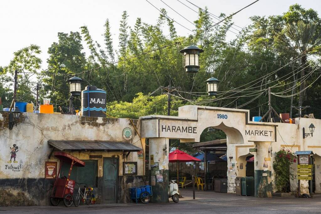 Harambe Market is the newest quick service restaurant at Walt Disney World's Animal Kingdom Park and features lots of African-inspired food items. #harambemarket #animalkingdom #waltdisneyworld #disneyworld | Tusker House Character Breakfast review featured by top Disney blogger, Marcie in Mommyland