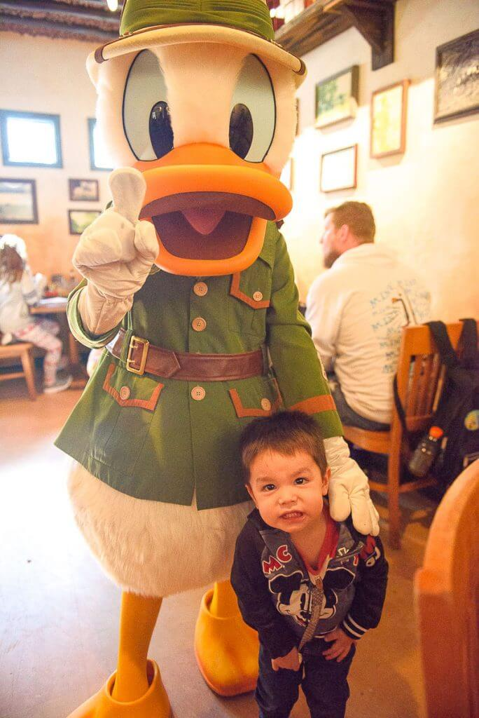 Tusker House is the only character dining experience at Walt Disney World's Animal Kingdom Park and they offer the Tusker House character breakfast, Tusker House character lunch, and Tusker House character dinner #tuskerhouse #animalkingdom #waltdisneyworld #disneyworld #donaldduck #characterdining