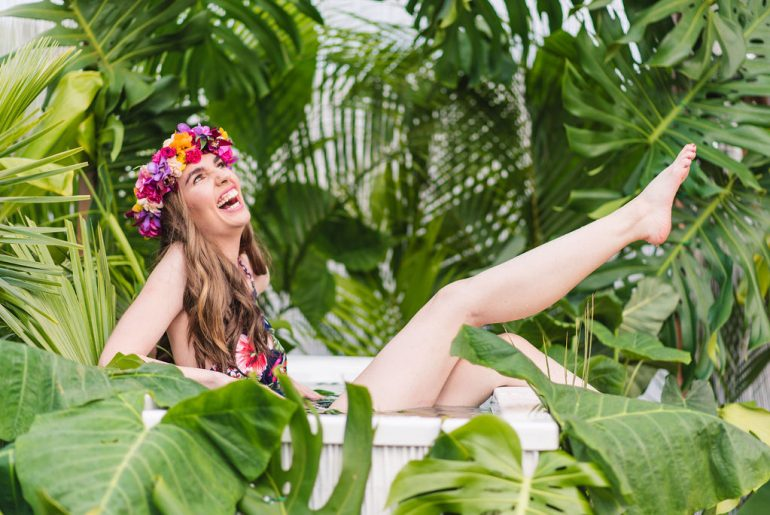For a new Kauai photographer experience, book a Kauai Jungle Tub photo shoot, one of the most unique photo shoots on Kauai. | Kauai Jungle Tub - a New Kauai Photographer Experience featured by top US travel blogger, Marcie in Mommyland