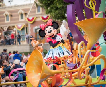 How to save money at Disneyland and Disney California Adventure for your next trip to Disneyland with kids, featured by top US Disney blogger, Marcie in Mommyland