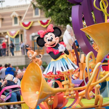 How to Save Money at Disneyland: 20 Must Know Tips