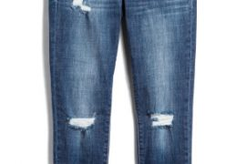 My July 2019 Stitch Fix box had a pair of distressed cropped jeans that are perfect for summer 2019 fashion. | July 2019 Stitch Fix unboxing and try on featured by top US lifestyle blogger, Marcie in Mommyland: image of Carrie distressed jeans