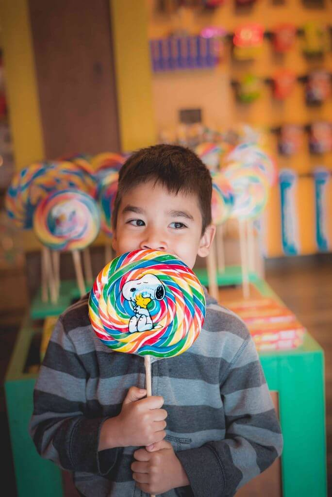 One of our favorite kids activities at Knott's Berry Farm is finding yummy treats to eat!