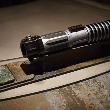 Galaxy's Edge Disneyland: Making a Lightsaber at Savi's Workshop