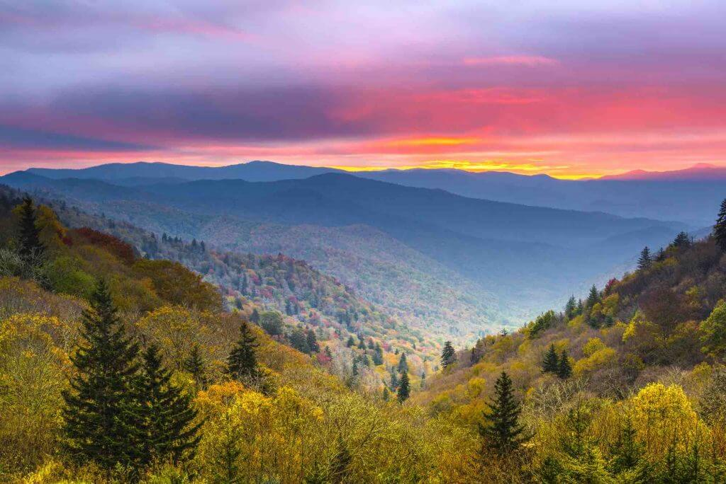 Gatlinburg is a great place to stay to experience the Smoky Mountains National Park in Fall