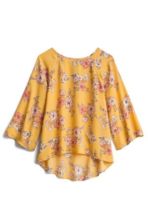 Fall fashion is all about fall colors and this yellow blouse is perfect for autumn